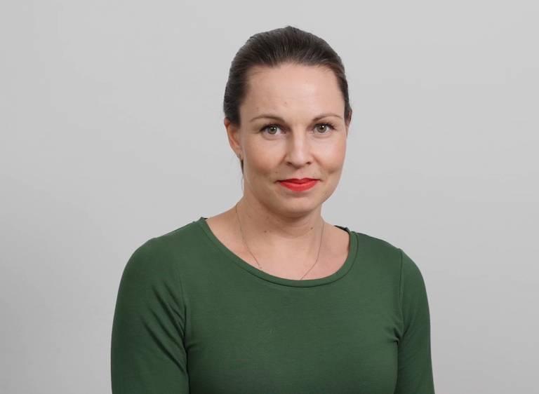 Kuvassa Elmon markkinointi- ja viestintäpäällikkö Jenni Hyry