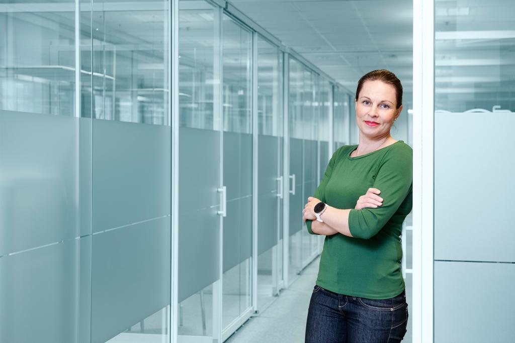 Elmon markkinointi- ja viestintäpäällikkö Jenni Hyry